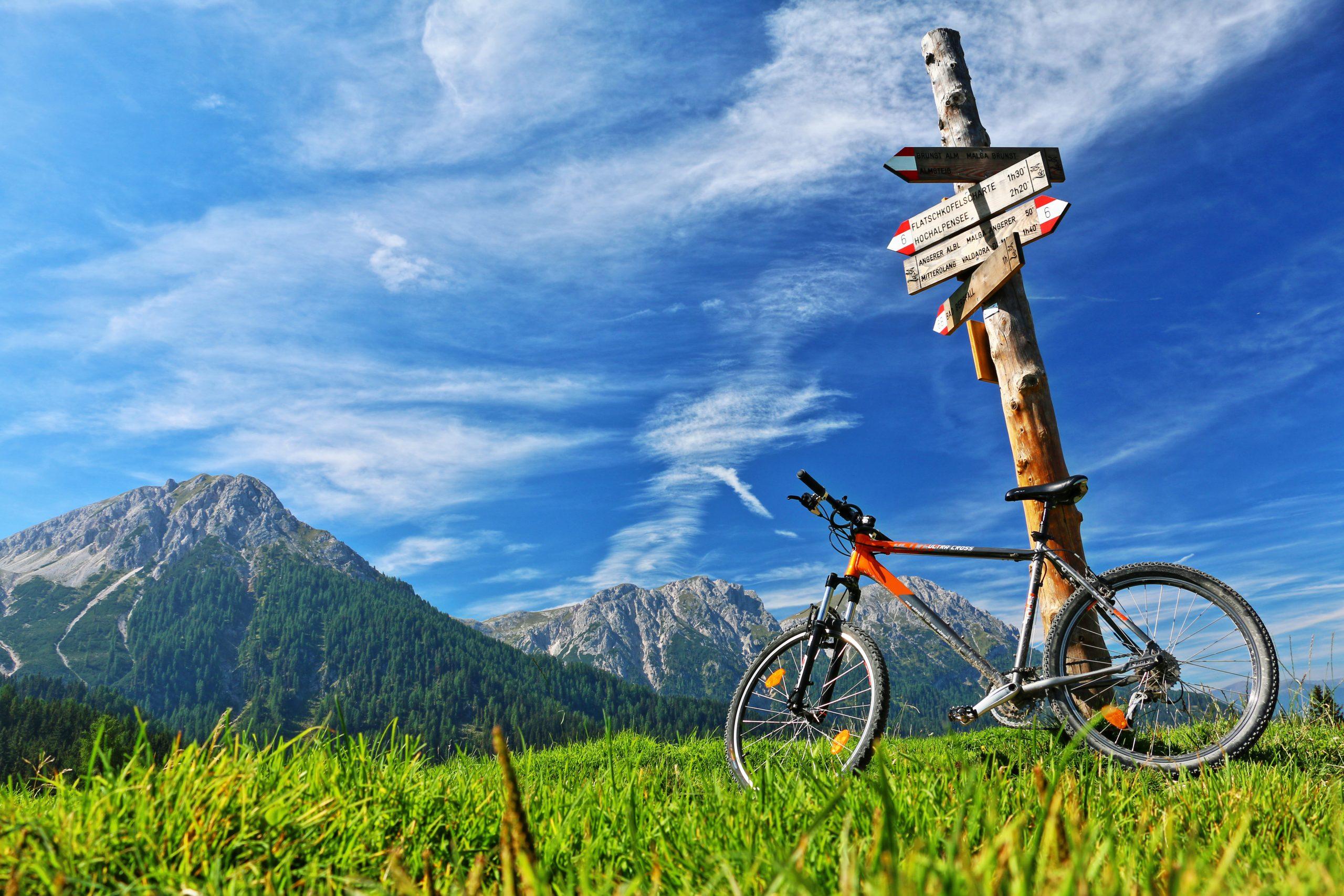 con la bicicletta in montagna